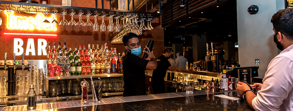 TOM DUBAI fountain bar