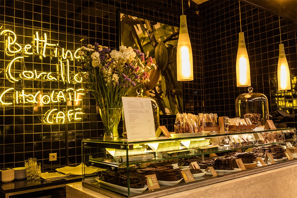 Bettina Corallo chocolate loja