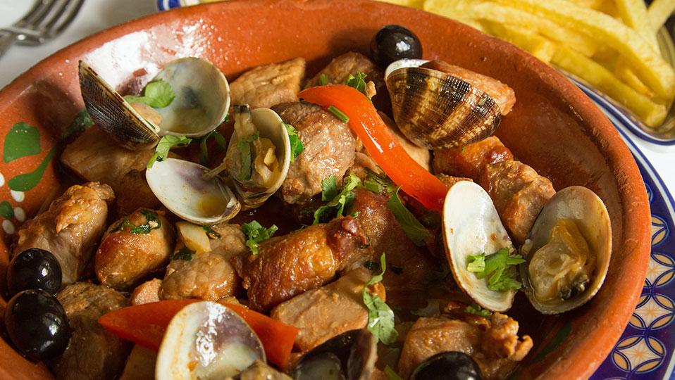 Clássicos da Cozinha Portuguesa – Carne de Porco à Alentejana